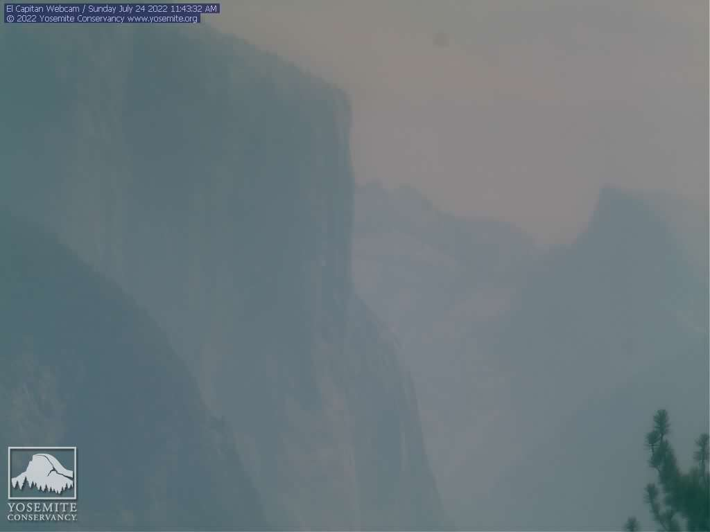 Yosemite Turtleback Dome camera - East to Yosemite Valley